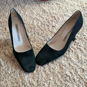 Martinez Valero Suede Pumps